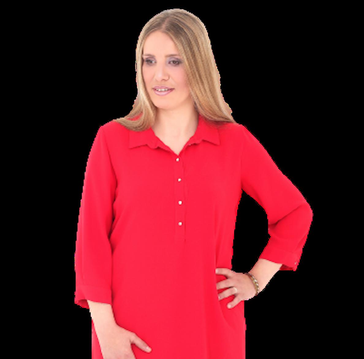 portrait florie Bouilloux dans une robe rouge